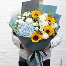 美好的明天——玫瑰向日葵绣球混搭花束