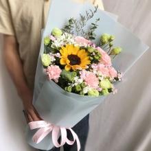 幸福美满——粉色康乃馨+向日葵混搭
