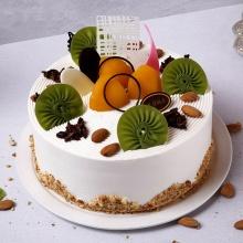 青春长存——圆形奶油生日蛋糕