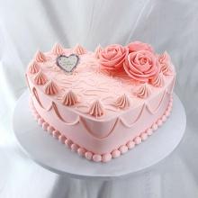 不变的心——心形奶油生日蛋糕