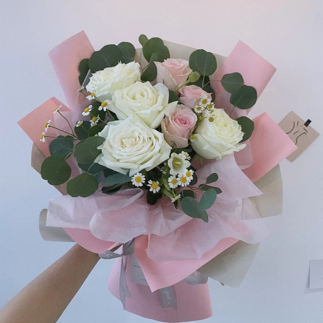 如花似玉——7支精品混色玫瑰